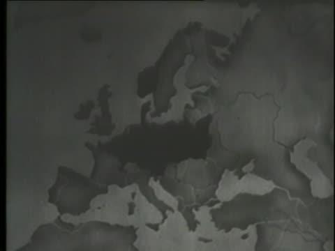 vídeos y material grabado en eventos de stock de a montage shows a map of the spread of the german influence during world war ii. - guerra