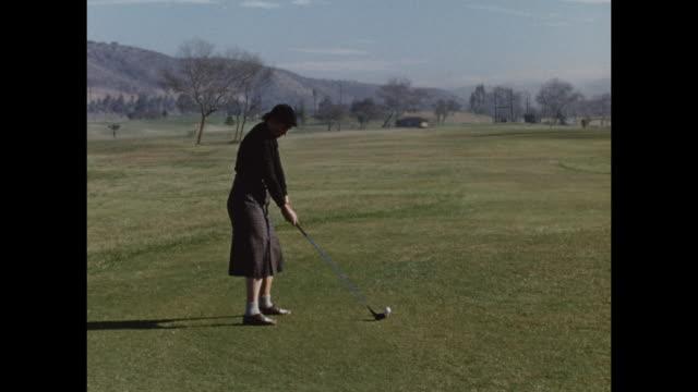 vídeos de stock e filmes b-roll de montage. various women shooting golf balls a golf coarse in palm springs - golf