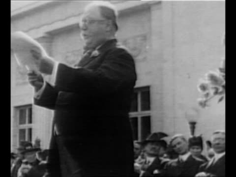 montage william howard taft speaks at 1917 dedication of national mckinley birthplace memorial for assassinated president william mckinley in niles... - theodore roosevelt us president stock videos & royalty-free footage