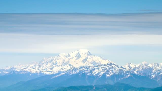 monte bianco (mount blanc) - mont blanc stock videos & royalty-free footage