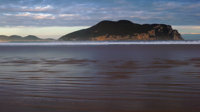 Monte Buciero from La Salvé beach, Laredo, Cantabrian Sea, Cantabria, Spain, Europe