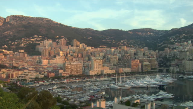 ws, ha, pan, monte-carlo harbor at sunrise, monaco - monaco stock-videos und b-roll-filmmaterial