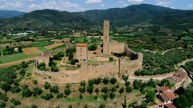 montecchio castle, cortona, tuscany, italy - toscana video stock e b–roll