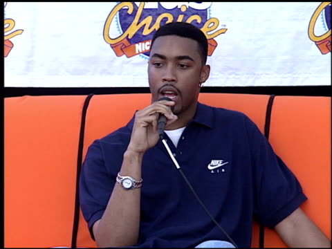 Montell Jordan at the 1995 Nickelodeon Kids' Choice Awards at Santa Monica Airport in Santa Monica California on May 20 1995