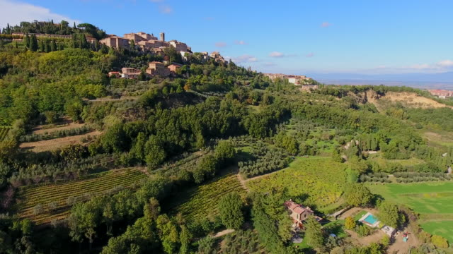 montepulciano wine region, tuscany, italy - vineyard stock videos & royalty-free footage