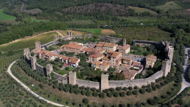 monteriggioni village aerial view, tuscany, italy - stone wall stock videos & royalty-free footage