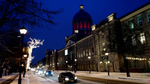 montreal's bonsecours market street scene on a december winter night - vieux montréal stock videos & royalty-free footage
