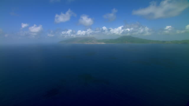 vidéos et rushes de montserrat island in the caribbean sea. - antilles occidentales