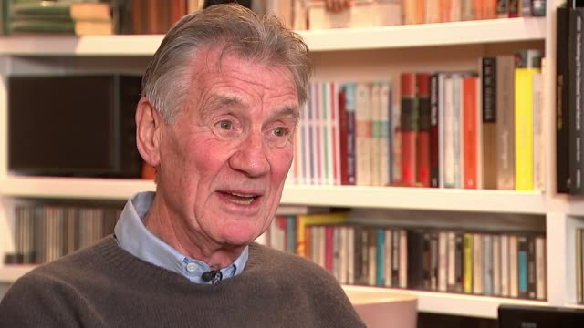 monty python's terry jones dies aged 77; england: int sir michael palin interview sot - 俳優 テリー ジョーンズ点の映像素材/bロール