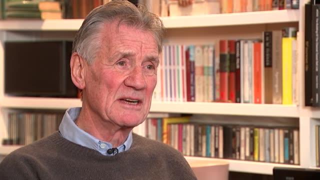 monty python's terry jones dies aged 77; england: london: michael palin interview sot - monty python video stock e b–roll