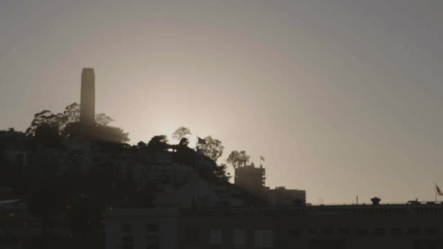 monument at dusk. - coit tower stock videos & royalty-free footage