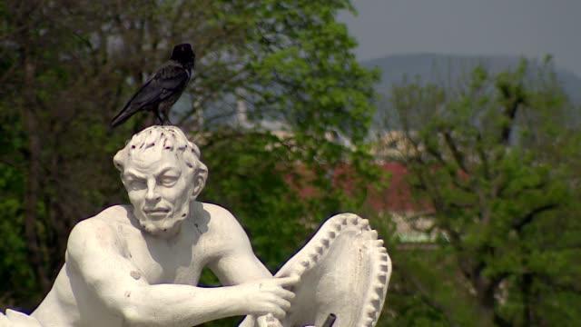 monument in belvedere palace garden in vienna - belvedere palace vienna stock videos & royalty-free footage