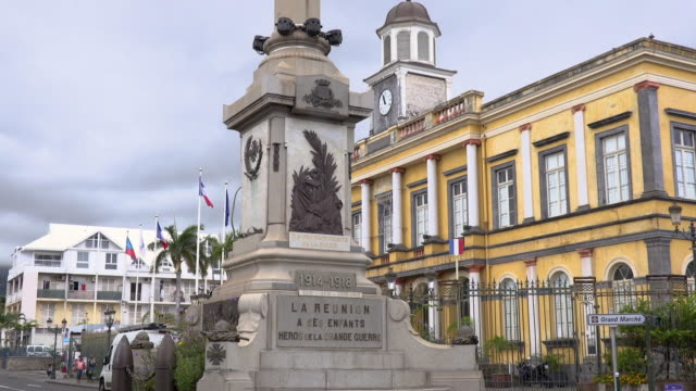 ws tu monument in city, reunion island - french overseas territory stock videos & royalty-free footage