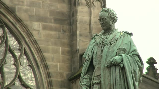 monument in edinburgh - sculpture stock videos & royalty-free footage