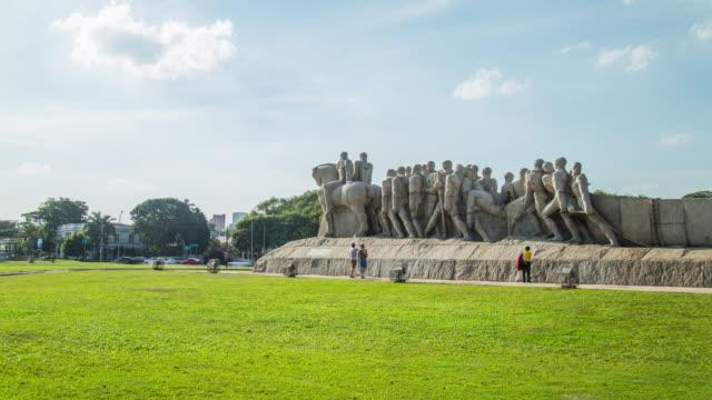 vídeos de stock, filmes e b-roll de monument of bandeirantes. - monumento