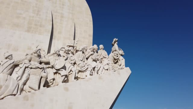 monument of the discoveries western profile, lisbon, portugal - padrão stock videos & royalty-free footage