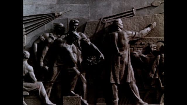 stockvideo's en b-roll-footage met monument to the conquerors of space at the memorial museum of cosmonautics - communisme
