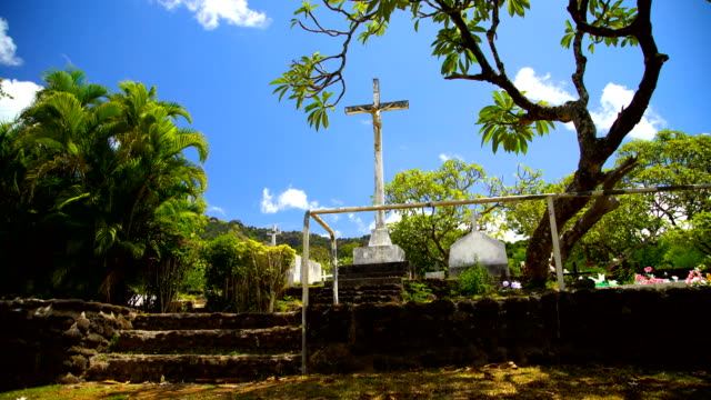 monument to the crucifixion atuona hiva oa marquesas - französisch polynesien stock-videos und b-roll-filmmaterial