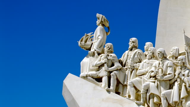 monument to the discoveries - monumente stock-videos und b-roll-filmmaterial