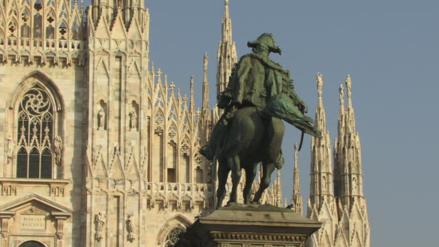 ZO, MS, Monument to Vittorio Emanuele and Milan Cathedral (Duomo di Milano), Milan, Lombardy, Italy