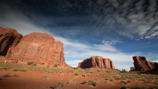 monument valley at dawn, utah - sandstone stock videos & royalty-free footage