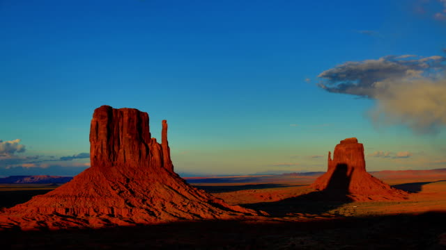 monument valley, ut-az - red rocks stock videos & royalty-free footage