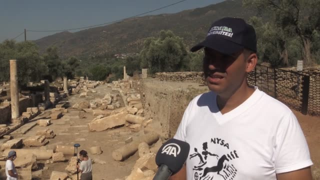 monumental fountain which is estimated to be 1800 years old, has been found by archaeologists excavating the ancient city of nysa in turkey. the... - digging stock videos & royalty-free footage