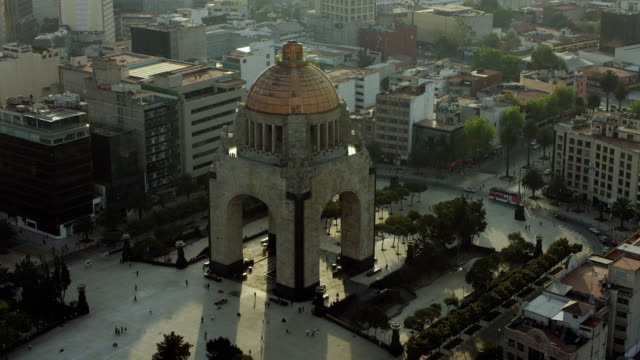 monumento a la revolucion in mexico city - famous place stock videos & royalty-free footage
