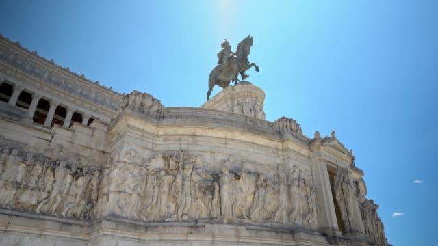 monumento a vittorio emanuele ii in rome - facciata video stock e b–roll