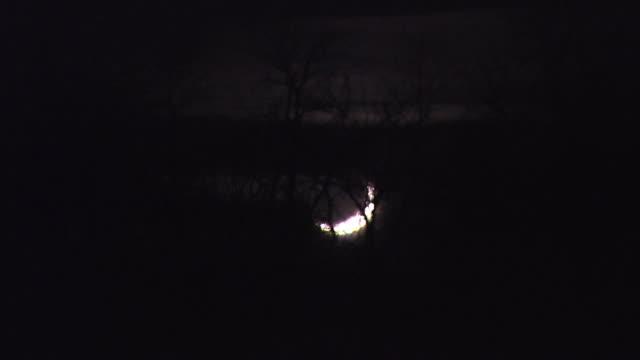moon going down, karasjok, norway, february 2008 - 暦月点の映像素材/bロール