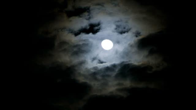 vídeos de stock, filmes e b-roll de ws t/l la moon in sky at night/ orem, utah, usa - orem utah