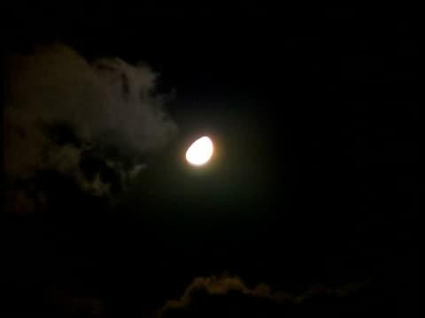 moon  - klammer stock-videos und b-roll-filmmaterial