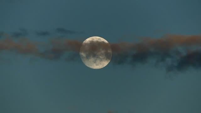 Moonrise timelapse