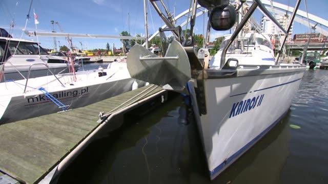 moored sailboat - anker werfen stock-videos und b-roll-filmmaterial