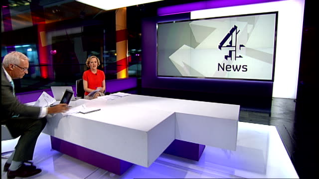 mother of victim keith bennett dies lib london gir int cathy newman speaking in channel 4 news studio about possible existence of letter giving... - cathy newman stock-videos und b-roll-filmmaterial