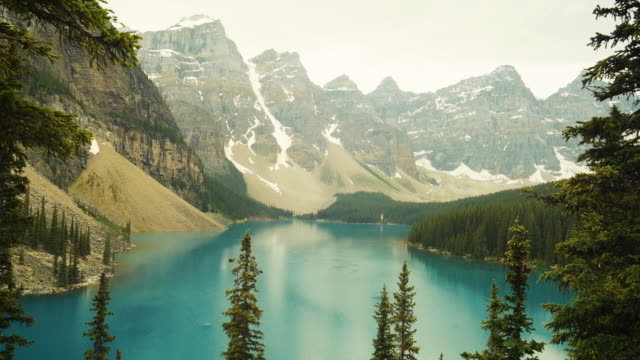 moraine lake in canada - valley of the ten peaks stock videos and b-roll footage