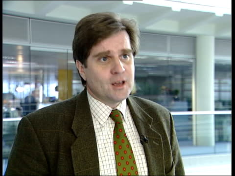 More opposition to plans for sky marshals ITN Mike Yardley interview SOT