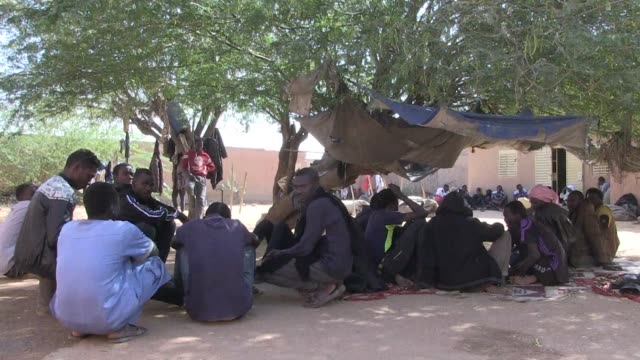 More than 1200 refugees from Sudan are crowding into Agadez in northern Niger after fleeing Libya