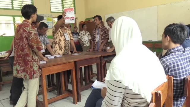 more than 192 million indonesians flocked to the polls wednesday to vote in the nation's first simultaneous presidential and legislative elections... - executive director stock videos & royalty-free footage