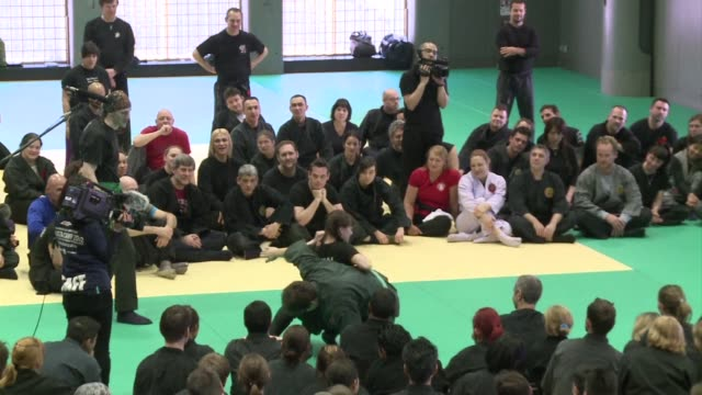more than 200 ninjas from around the world gather at a tokyo gymnasium to kick off a special two day training seminar especially designed for women... - krieger menschliche tätigkeit stock-videos und b-roll-filmmaterial