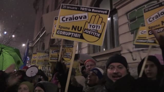 More than 30000 Romanians take to the streets of Bucarest as well as other big cities across the country to say no to corruption and protest against...