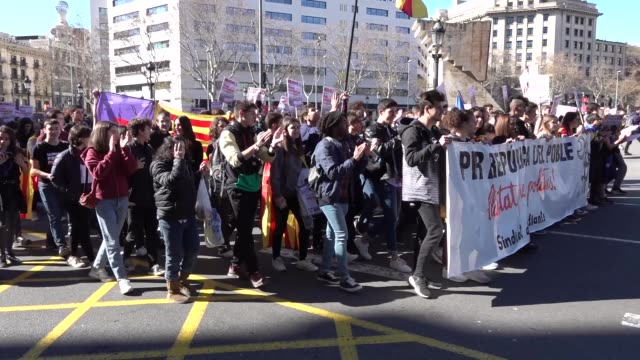more than 400 students have demonstrated on february 12 2019 in barcelona in a day of multiple protests against the trial that began in madrid... - referendum stock videos and b-roll footage