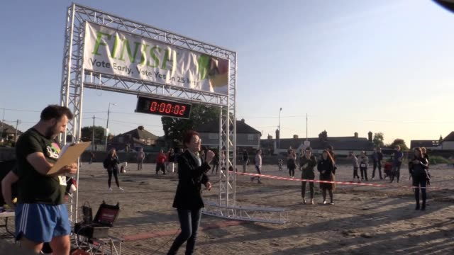 vídeos de stock, filmes e b-roll de more than 800 prochoice supporters have taken part in a 5km run organised by the yes campaign ahead of ireland's abortion referendum among those... - questão da mulher