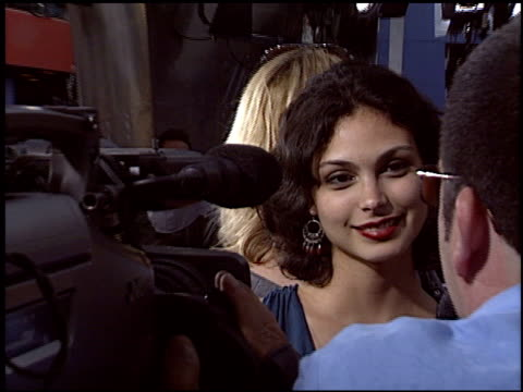 vídeos de stock e filmes b-roll de morena baccarin at the premiere of 'the perfect man' at universal studios in universal city, california on june 13, 2005. - universal city
