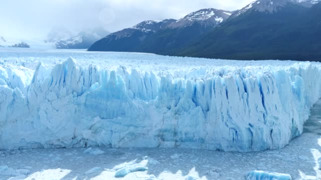 moreno glacier, it´s snowing a bit - glacier stock videos & royalty-free footage