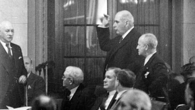 morgan appears before senate investigation committee about his stock exchange practices and failure to pay income taxes for two years - 1933年点の映像素材/bロール