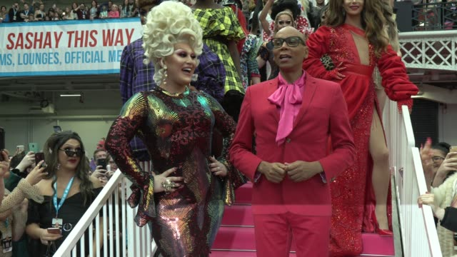 morgan mcmichaels, serena chacha, charlie hides, mrs kasha davis, jujubee, the vivienne, rupaul attends rupaul's dragcon uk presented by world of... - reality fernsehen stock-videos und b-roll-filmmaterial