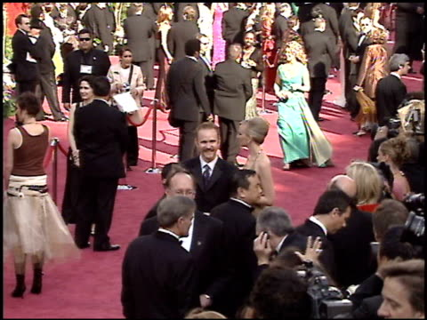 stockvideo's en b-roll-footage met morgan spurlock at the 2005 academy awards at the kodak theatre in hollywood, california on february 27, 2005. - 77e jaarlijkse academy awards