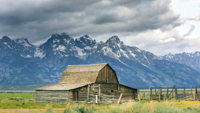 mormonen old farm - jackson hole stock-videos und b-roll-filmmaterial