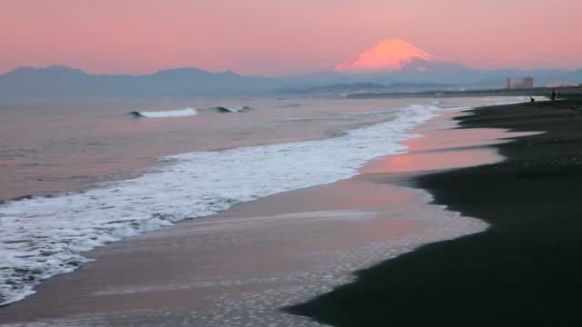 Morning beach and Mt fuji